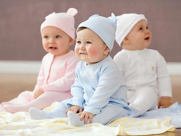Quần áo trẻ sơ sinh